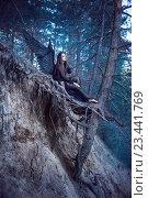 Купить «Черный Ангел в лесу», фото № 23441769, снято 2 июля 2016 г. (c) Анатолий Лиясов / Фотобанк Лори