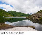 Купить «Высокогорное озеро Мзы», фото № 23494889, снято 12 июля 2016 г. (c) Светлана Овчинникова / Фотобанк Лори