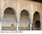 Купить «Details of the Myrtles (Patio de los Arrayanes) in Alhambra», фото № 23535961, снято 13 мая 2016 г. (c) Яков Филимонов / Фотобанк Лори