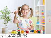 Купить «kid painting at home», фото № 23558405, снято 30 сентября 2015 г. (c) Оксана Кузьмина / Фотобанк Лори