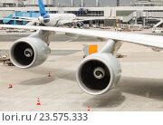 Белое крыло самолета. Стоковое фото, фотограф Светлана Булычева / Фотобанк Лори