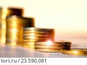Монеты сложенные столбиками. Стоковое фото, фотограф Сергеев Валерий / Фотобанк Лори