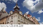 Купить «Дома старого города, Чешская Республика», видеоролик № 23618229, снято 14 сентября 2016 г. (c) Владимир Журавлев / Фотобанк Лори
