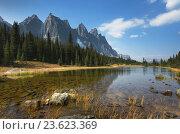 Купить «The Ramparts, Tonquin Valley, Jasper National Park Alberta.», фото № 23623369, снято 22 сентября 2014 г. (c) age Fotostock / Фотобанк Лори