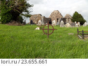 Купить «old grave cross on celtic cemetery in ireland», фото № 23655661, снято 24 июня 2016 г. (c) Syda Productions / Фотобанк Лори
