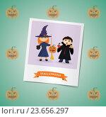 Купить «Девочка и мальчик в костюмах ведьм на Хэллоуин», иллюстрация № 23656297 (c) Анастасия Улитко / Фотобанк Лори