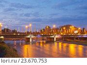 Купить «Владикавказ. Чугунный мост через Терек», эксклюзивное фото № 23670753, снято 17 сентября 2016 г. (c) Литвяк Игорь / Фотобанк Лори