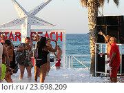 Купить «Пенная дискотека на пляже Star Beach. Крит. Греция», фото № 23698209, снято 16 сентября 2016 г. (c) Алексей Сварцов / Фотобанк Лори