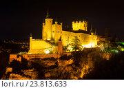 Купить «Castle of Segovia in night», фото № 23813633, снято 16 ноября 2014 г. (c) Яков Филимонов / Фотобанк Лори