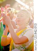 Купить «Кришнаитка в день летнего солнцестояния, Аркаим», фото № 23842013, снято 20 июня 2015 г. (c) Хайрятдинов Ринат / Фотобанк Лори