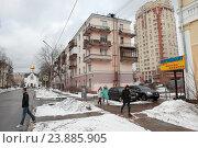 Купить «Балашиха, дома на улице Флерова зимой», эксклюзивное фото № 23885905, снято 5 февраля 2016 г. (c) Дмитрий Неумоин / Фотобанк Лори