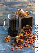 Купить «Квас - традиционный русский напиток», фото № 23908653, снято 12 марта 2016 г. (c) Марина Сапрунова / Фотобанк Лори