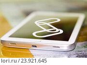 Купить «Значок ссылки на экране сотового телефона . Концепция цепной гиперссылки .», фото № 23921645, снято 13 января 2015 г. (c) Сергеев Валерий / Фотобанк Лори