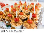 Купить «close up of canape hamburgers on serving tray», фото № 23923037, снято 11 июня 2016 г. (c) Syda Productions / Фотобанк Лори
