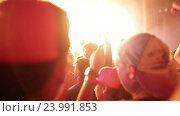 Купить «Люди на концерте», видеоролик № 23991853, снято 28 октября 2016 г. (c) Roman Larchikov / Фотобанк Лори