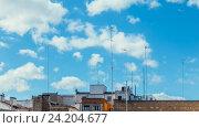 Купить «Timelapse clouds over the roof on a clear day», видеоролик № 24204677, снято 31 октября 2016 г. (c) Raev Denis / Фотобанк Лори