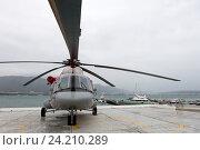 Вертолет Ми-8 AMT на выставочной площадке (2016 год). Редакционное фото, фотограф Елена Олешко / Фотобанк Лори