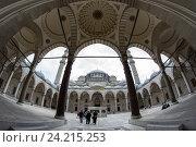 Купить «The yard of Suleymaniye Mosque», фото № 24215253, снято 19 июня 2015 г. (c) Юлия Белоусова / Фотобанк Лори