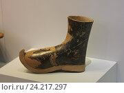 Купить «Обувь минойской эры. Археологический музей, Ираклион. Крит, Греция», фото № 24217297, снято 20 сентября 2016 г. (c) Алексей Сварцов / Фотобанк Лори