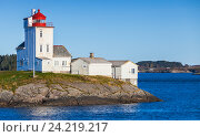 Купить «Lighthouse, white tower with red top. Norway», фото № 24219217, снято 17 октября 2016 г. (c) EugeneSergeev / Фотобанк Лори