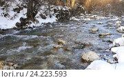 Купить «Река в снежном лесу, Черногория», видеоролик № 24223593, снято 21 января 2016 г. (c) Иван Кузнецов / Фотобанк Лори