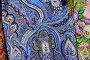 Шали и павловопосадские платки, эксклюзивное фото № 24231545, снято 31 августа 2016 г. (c) lana1501 / Фотобанк Лори