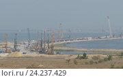 Строительство моста через Керченский пролив. Стоковое видео, видеограф Михаил Коханчиков / Фотобанк Лори