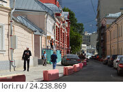 Купить «Калашный переулок. Пресненский район. Москва», эксклюзивное фото № 24238869, снято 9 июля 2016 г. (c) lana1501 / Фотобанк Лори