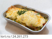 Купить «Trout baked with vegetables and cheese in batch trays», фото № 24261273, снято 4 ноября 2016 г. (c) Володина Ольга / Фотобанк Лори