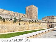 Средневековый замок в городе Бари, построенный в 1131 году королём Роджером II, Италия, фото № 24301345, снято 3 октября 2016 г. (c) Виктория Катьянова / Фотобанк Лори