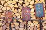 Три прялки на поленнице осиновых дров, эксклюзивное фото № 24308873, снято 12 ноября 2016 г. (c) Анатолий Матвейчук / Фотобанк Лори