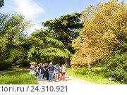 Крым, Никитский ботанический сад, экскурсия (2016 год). Редакционное фото, фотограф Татьяна Юни / Фотобанк Лори