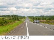 Купить «Трасса М-8 Холмогоры. Вологодская область», фото № 24319245, снято 22 августа 2016 г. (c) Pukhov K / Фотобанк Лори