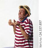 "Купить «Man, ""Italian"", conversation, gesticulate, inside, studio, young, straw hat, T-shirt, touched, gesture, facial play», фото № 24337897, снято 18 августа 2018 г. (c) mauritius images / Фотобанк Лори"