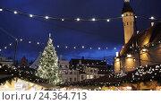 Купить «christmas tree at old tallinn town hall square», видеоролик № 24364713, снято 2 декабря 2016 г. (c) Syda Productions / Фотобанк Лори