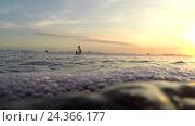 Купить «Вид отдыхающих в океане», видеоролик № 24366177, снято 12 ноября 2016 г. (c) Гурьянов Андрей / Фотобанк Лори