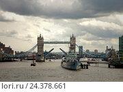 Купить «Architecture, city, Tower Bridge, River Thames», фото № 24378661, снято 17 августа 2018 г. (c) mauritius images / Фотобанк Лори