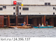 Купить «Docker on a working raft,», фото № 24396137, снято 17 декабря 2017 г. (c) mauritius images / Фотобанк Лори
