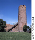Купить «Poland, Czersk, city fortification, military tower, Europe, town, city wall, tower, builds in 1200-1300, seat the masowischen dukes, structure, architecture, place of interest, stairs, tourist», фото № 24408561, снято 2 апреля 2003 г. (c) mauritius images / Фотобанк Лори