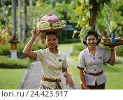 "Купить «Indonesia, island Bali, peninsula Bukit Badung, Nusa Dua, ""Melia for Bali sol"" hotel facility, office workers, women small Sunda islands, Sundainseln,...», фото № 24423917, снято 15 декабря 2005 г. (c) mauritius images / Фотобанк Лори"