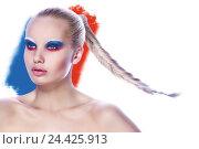 Купить «Блондинка с макияжем в виде триколора», фото № 24425913, снято 18 августа 2018 г. (c) Alexey Volkov / Фотобанк Лори