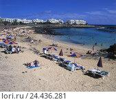 Купить «Spain, Lanzarote, Costa Teguise, Playa Del Jabillo, bathers, outside, Canary islands, island, beach, beach, vacationer, tourist, tourism, beach holiday...», фото № 24436281, снято 13 января 2003 г. (c) mauritius images / Фотобанк Лори