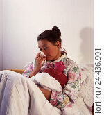 Купить «Bed, woman, cold, hot-water bottle, inside, at home, grip, coryza, catches cold, pains, treatment, thermal treatment, caloric therapy, pain relief, relief, handkerchief, to walrus moustaches», фото № 24436901, снято 20 июля 2018 г. (c) mauritius images / Фотобанк Лори