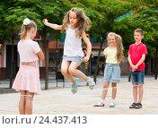Купить «children with chinese jumping rope», фото № 24437413, снято 12 июля 2020 г. (c) Яков Филимонов / Фотобанк Лори