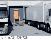 Купить «Forwarding agency, warehouse, terminals, loading ramps, Lkw's, detail, support, central warehouse, loading terminals, ramps, storage, truck, commercial...», фото № 24439729, снято 21 августа 2018 г. (c) mauritius images / Фотобанк Лори
