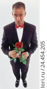 Купить «Man, middle old person, dinner jacket, rose, professions, studio, cut out, Knight of the Rose, gentleman,», фото № 24454205, снято 27 сентября 2000 г. (c) mauritius images / Фотобанк Лори