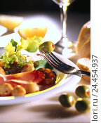 Купить «Hors-d'oeuvre plate, in Italian, merged, close up, Italy, Antipasti, hors-d'oeuvre, olives, speciality, dish, food, meal, food, eat, larders, food, branch, detail», фото № 24454937, снято 10 июля 2001 г. (c) mauritius images / Фотобанк Лори