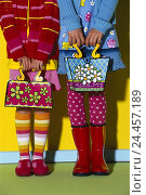 Купить «Children, detail, feet, hands, pouches, clothes, brightly, girls, two, stand, wellington, child trumps, handbags, paints, sample, colourfully», фото № 24457189, снято 31 июля 2001 г. (c) mauritius images / Фотобанк Лори