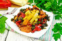Кабачки с овощами по-гречески в тарелке на столе, фото № 24461057, снято 14 октября 2016 г. (c) Резеда Костылева / Фотобанк Лори