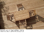 Купить «Terrace, wooden floor, table, chairs, from above balcony, planking floor, wooden floor, wooden table, wooden chairs, Outdoor furnitures, terrace pieces...», фото № 24470213, снято 6 ноября 2003 г. (c) mauritius images / Фотобанк Лори